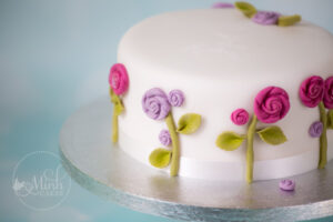 Basic cake class at Minh Cakes