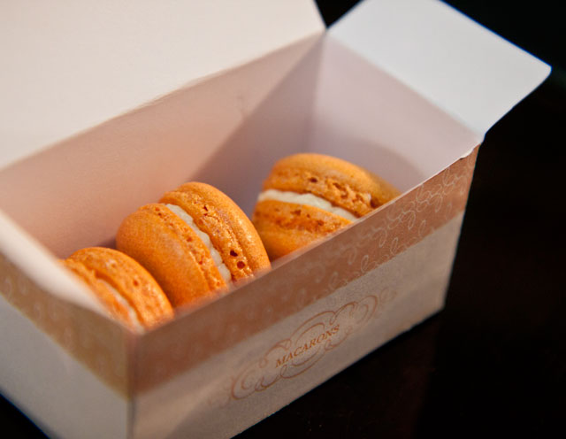 Luxemburgerli Macarons by Minh Cakes 4