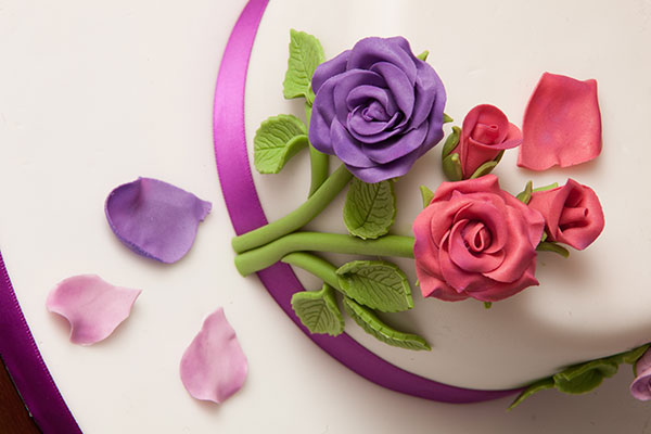 130204-Romantic-rose-cake-04
