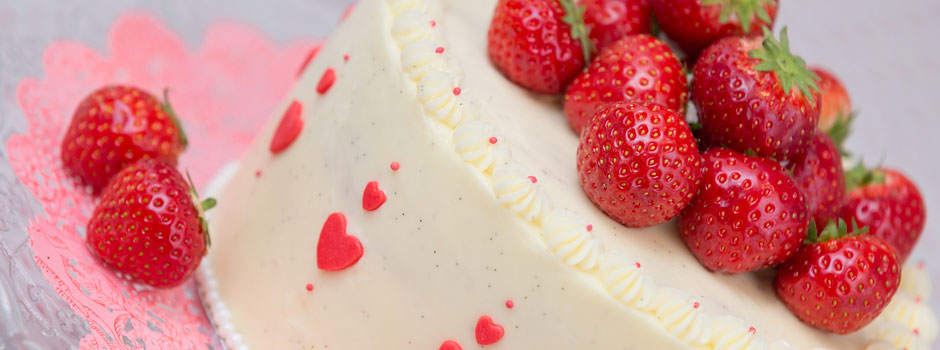 Buttercream cake with strawberries