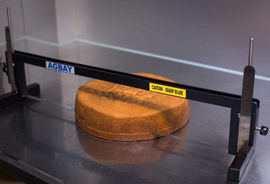 Tortenschneiden Methode 4: Agbay Cake Leveler