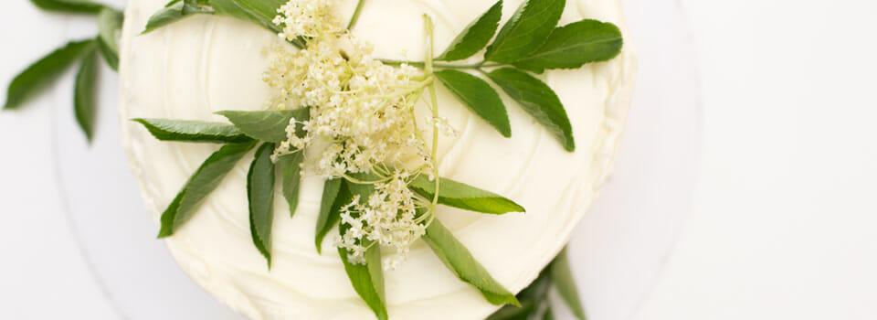 Royal Wedding Cake (Zitronen-Holunderblüten-Torte)