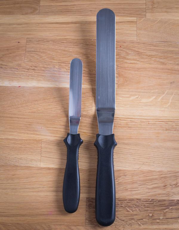 Ein Pärchen: Gekröpfter Spachtel Gross und Klein (Angled offset spatulas)