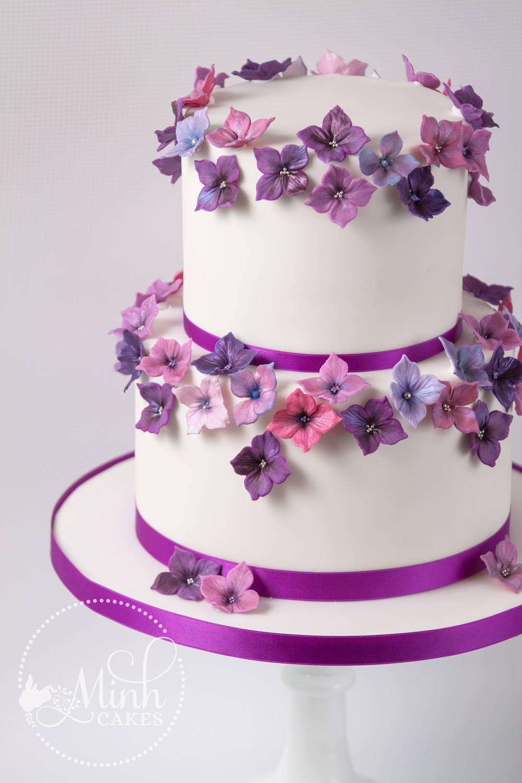 Bezaubernd Hochzeitstorte Lila Foto Von Minh Cakes Hortensien Wedding Cake