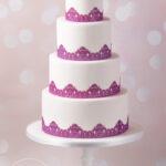 Minh-Cakes-Hochzeitstorte-Wedding-Cake-Purple-Sugar-Lace-Beerenrot-Spitze
