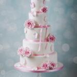 Minh Cakes Hochzeitstorte mit rosa Rosen Jasmina & Michael