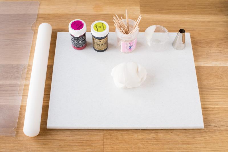 Minh Cakes Mini-Rose aus Zucker Tools