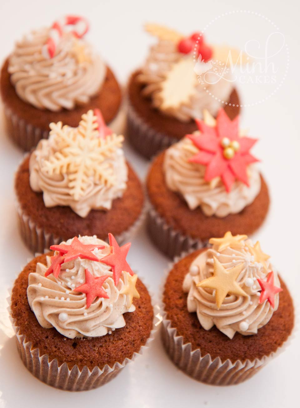 Gingerbread Cupcakes by Minh Cakes