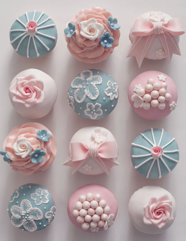 Images Of Cakes Decorated With Royal Icing